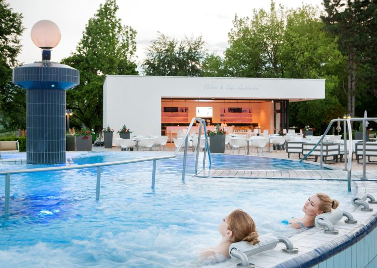 Massagebecken Therme Bad Waltersdorf